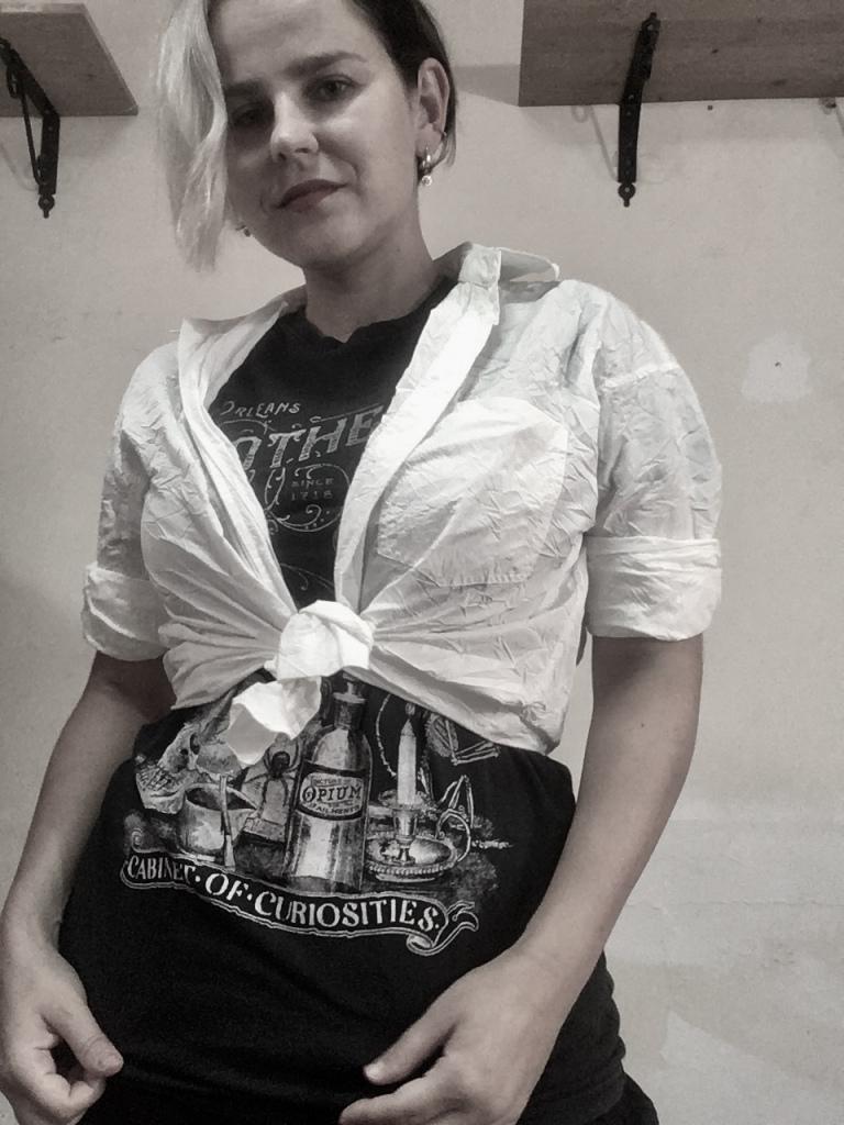 white shirt, T shirt, Mio Konfedrat