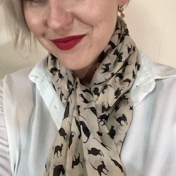 silk scarf, white shirt, Mio Konfedrat